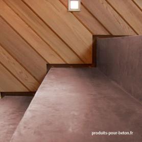 Béton ciré pour escaliers ombre calcinée