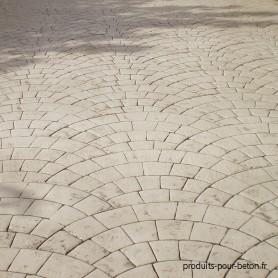 Beton-empreinte-modele-basalte-kit-gris-ciment