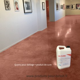 Quartz dallage plus produit de cure couleur brun