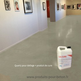 Quartz dallage plus produit de cure couleur naturel.
