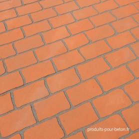 beton-imprime-pochoir-brique-brun