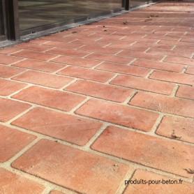 beton-imprime-pochoir-brun