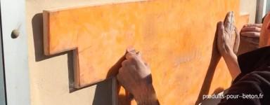 Moules pour empreinte murale sur enduit frais